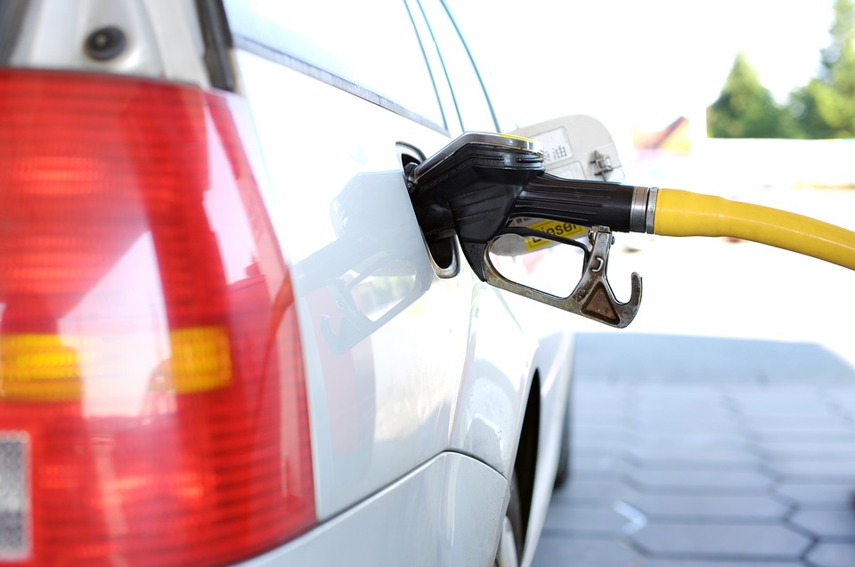 Kentucky Gas Prices Surge, National Average Hits Six Week High