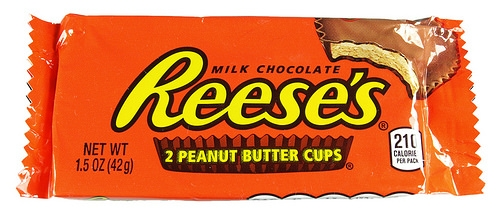 "How Do You Pronounce the Word ""Reese's""? The Internet Is Split"