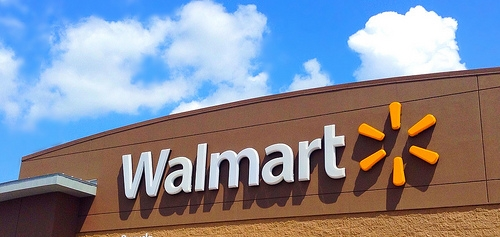 A Guy Lost 300 Pounds By Walking to Walmart Daily