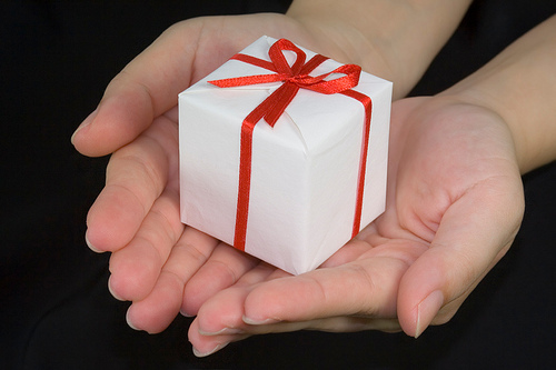 The Key to Picking the Perfect Gift Is Going Sentimental, Not Expensive