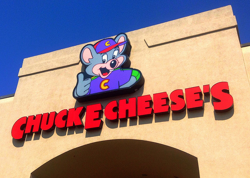 It Looks Like Chuck E. Cheese's Is Killing Off Their Animatronic Animal Band