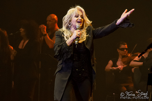 "Bonnie Tyler To Sing ""Total Eclipse"" During Total Eclipse"