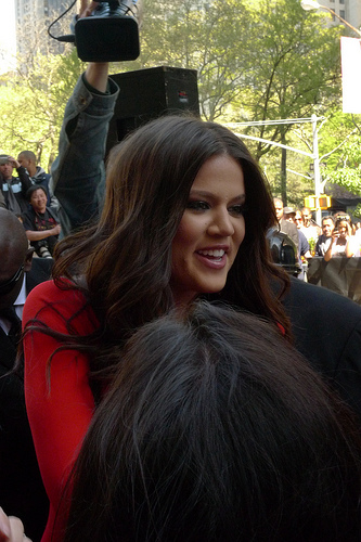 Khloe Kardashian Gives Birth