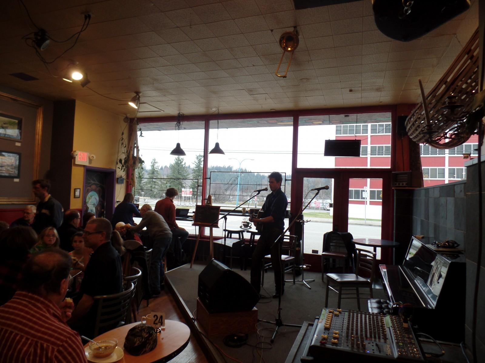 FunChaser @ Coffeehouse Sundays
