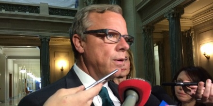 Premier Brad Wall expresses concern on future of Kinder-Morgan pipeline
