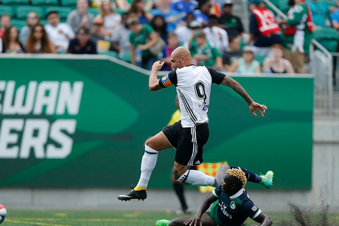 "New York Cosmos win ""friendly"" to wrap up Soccer Day in Saskatchewan festivities"