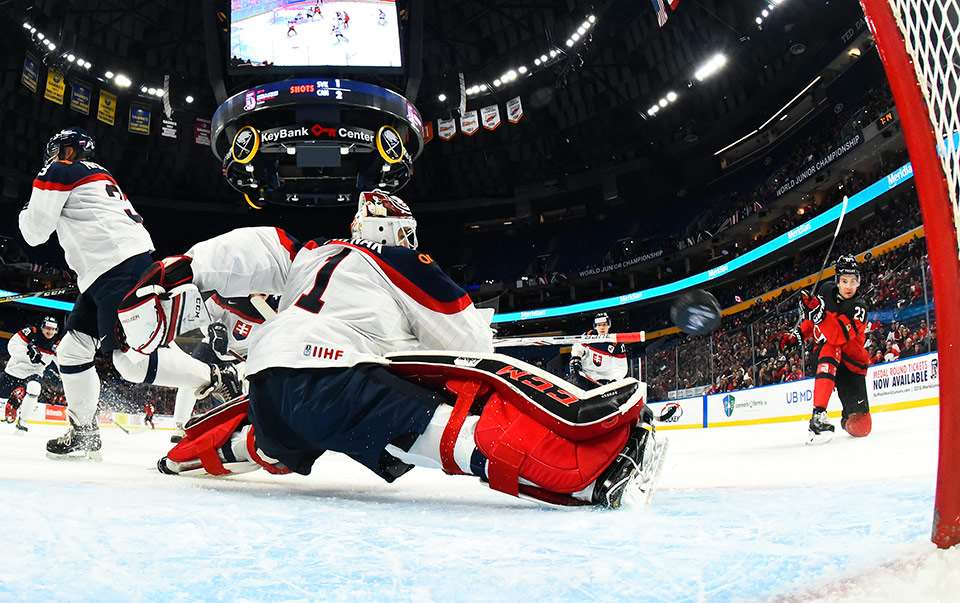 Canada 2-0 at World Juniors as Sam Steel scores in win over Slovakia