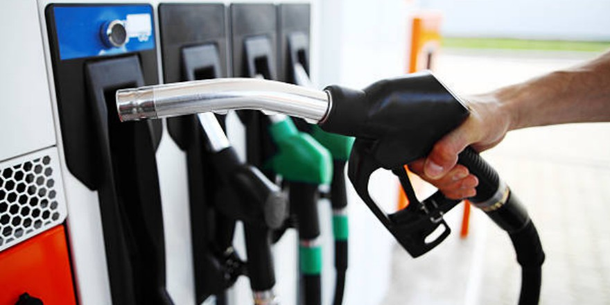 Expect to see a jump in gas prices this weekend, if not seen already: Gasbuddy