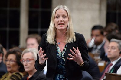 Federal environment minister Catherine McKenna urges Saskatchewan to sign climate deal
