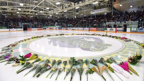 Last chance to pay respect to victims of Humboldt Broncos bus crash is Thursday