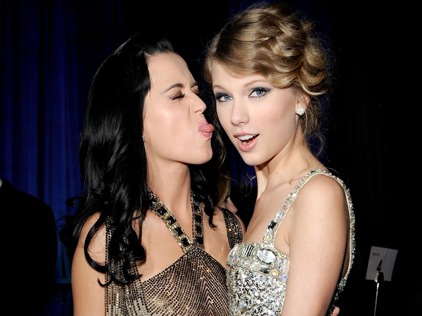 """Katy returned Tay's """"bad blood"""" with """"Mad Love"""""""