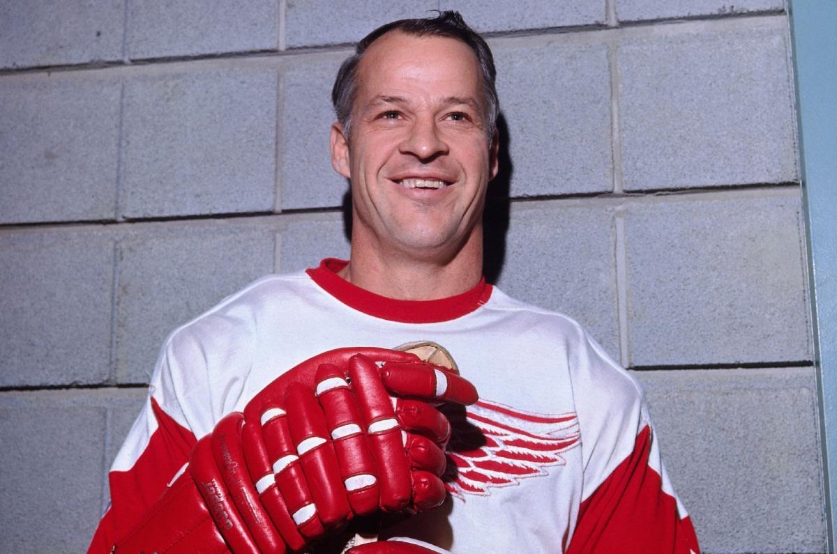 """""""Mr. Hockey"""", Gordie Howe has died at the age of 88"""