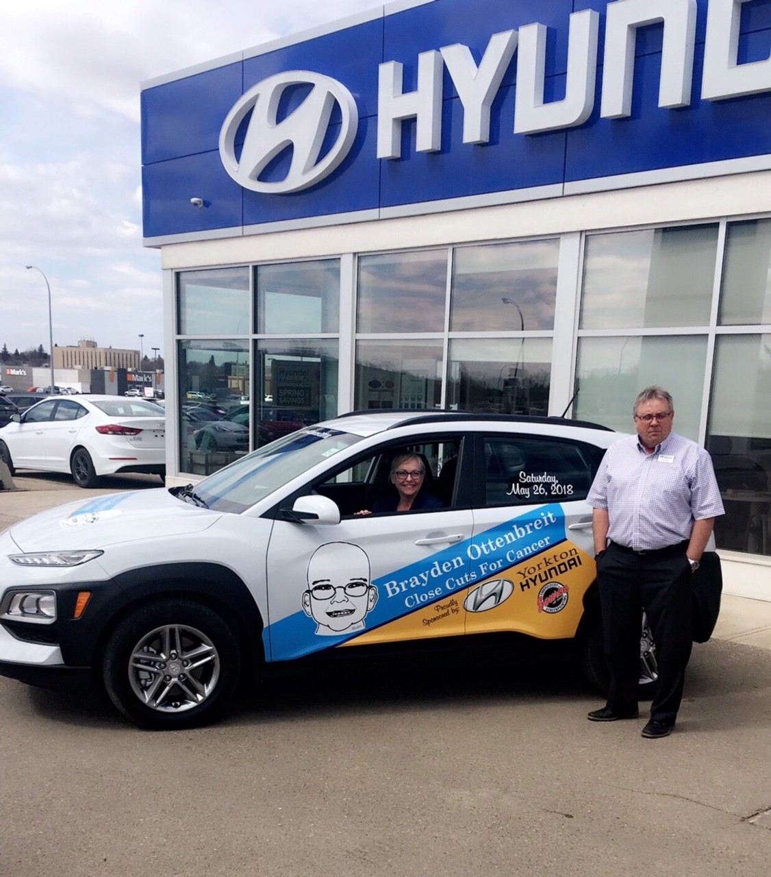 Close Cuts for Cancer Receives New Car