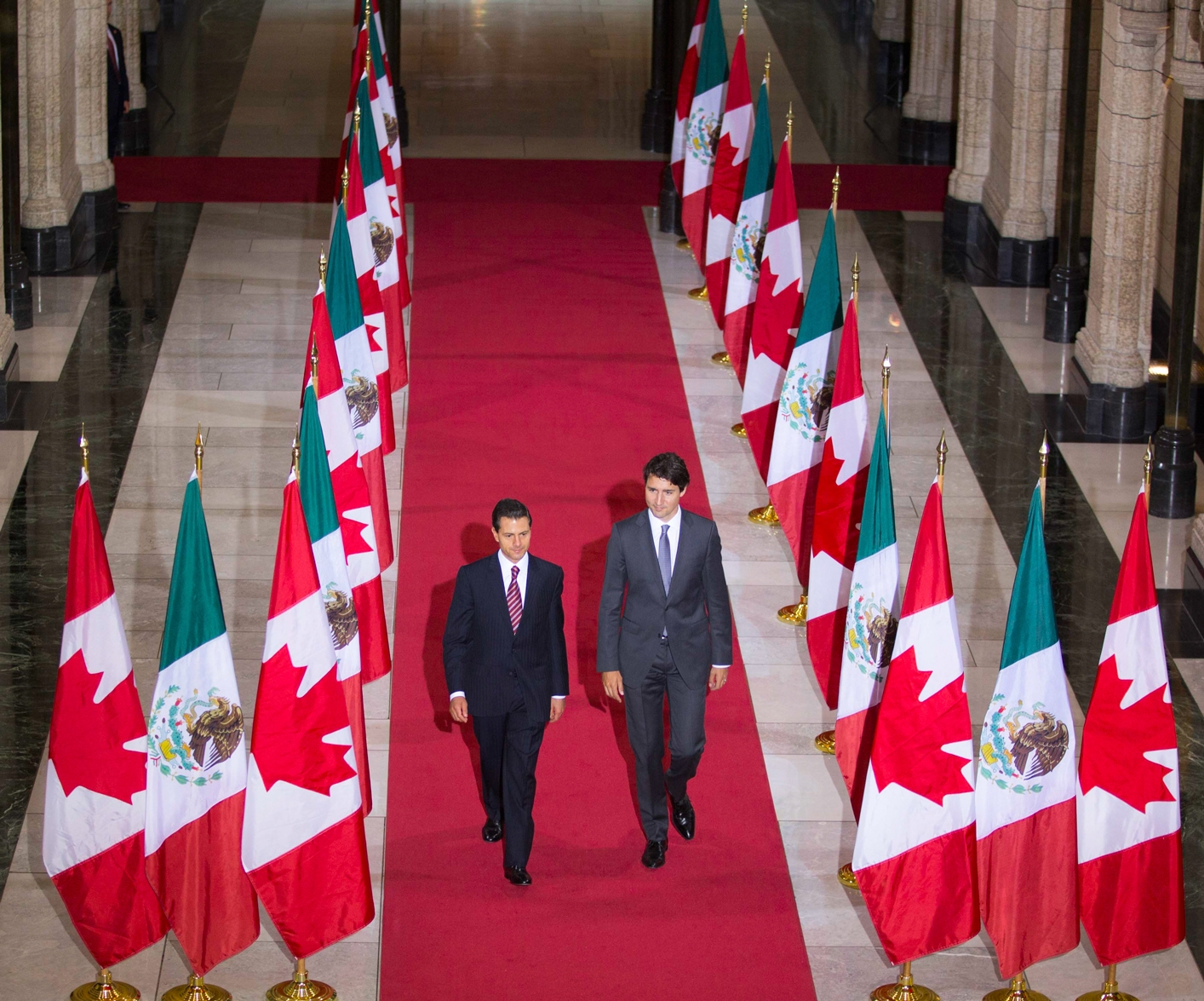 """Canadá aprueba una partida adicional de 12 millones de dólares por la """"presión"""" del levantamiento del visado para mexicanos"""