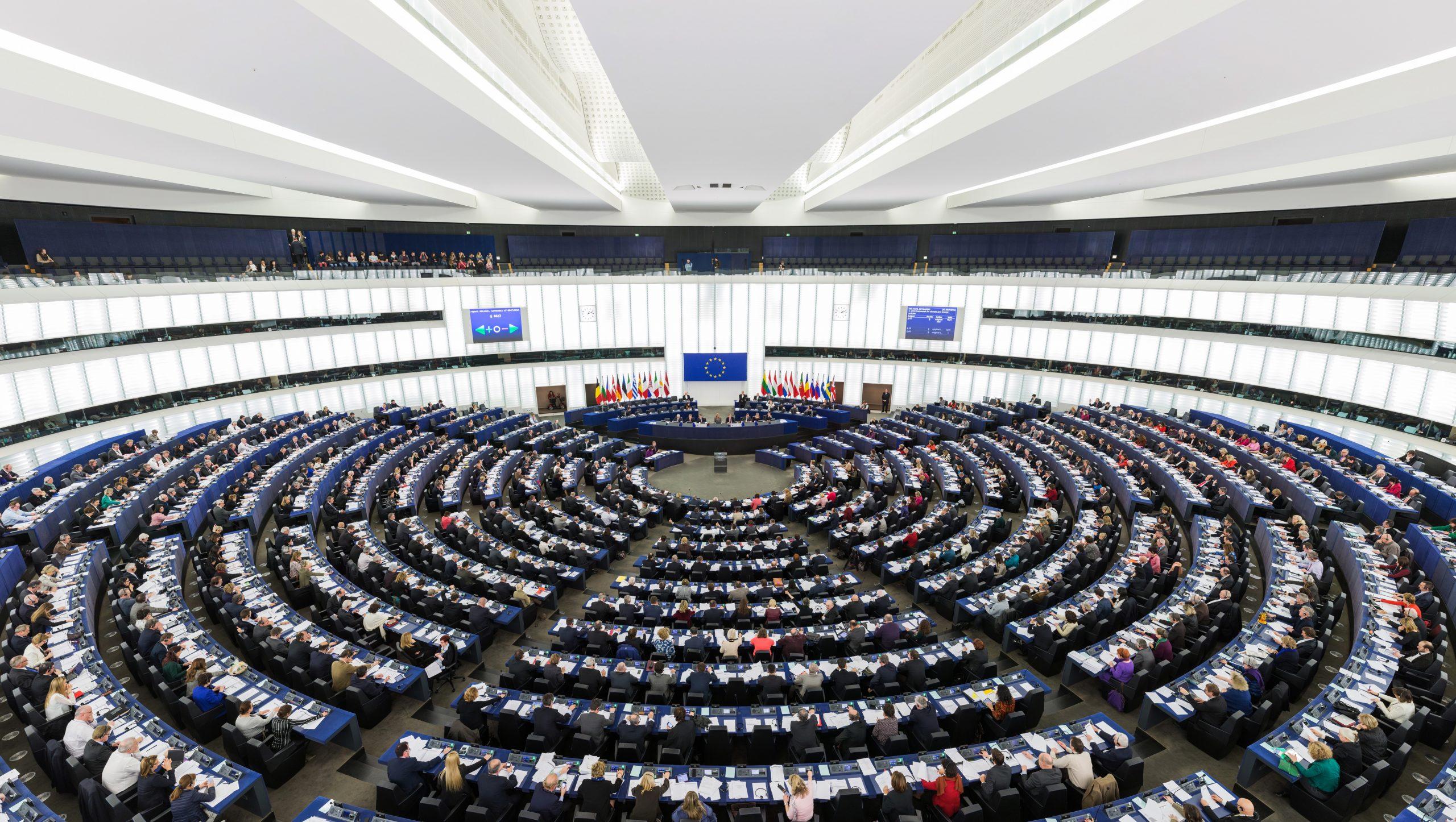 El Parlamento Europeo aprueba el polémico acuerdo comercial con Canadá