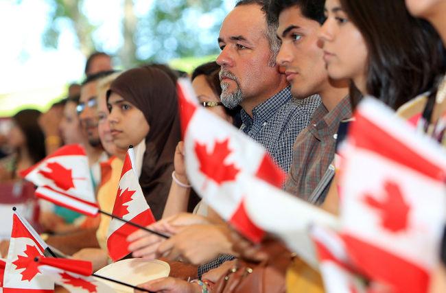 La mayoría de los canadienses a favor de un test de valores para los inmigrantes