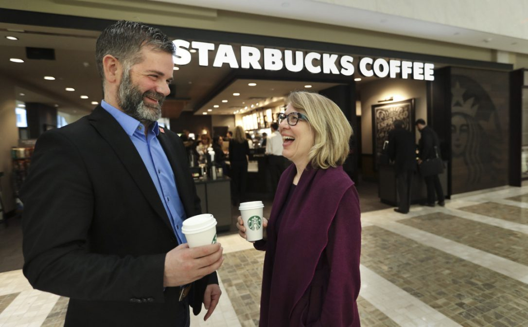Starbucks plans to hire 1,000 refugees in Canada