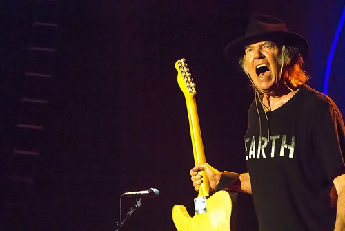 Neil Young Announces the Release of New Album