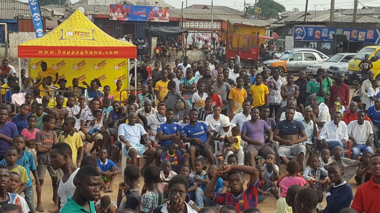 HAPPY FM COWBELL AFCON TRAIN THRLLS BUKOM FANS