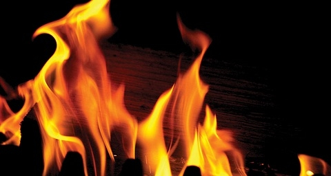 6-year-old burns to death after soaking herself in Kerosene