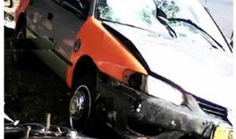 Taxi runs into kiosk, kills woman, 73