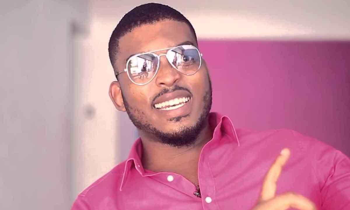 Actor James Gardiner hands over Ghana's 'dancehall crown' to Stonebwoy over Shatta Wale