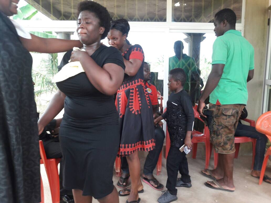 Hot gossip Photos: Yaw Dabo, Other Kumawood Stars Mourn With Maame Serwaa After Mum's Death
