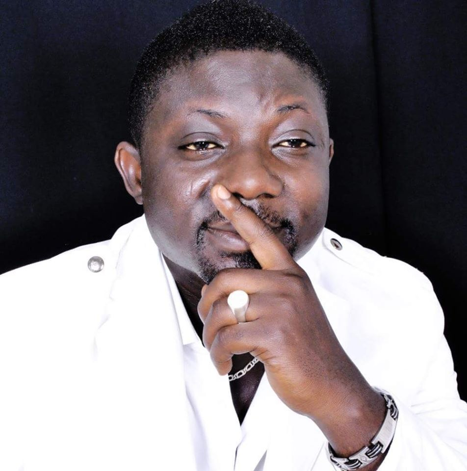 Fire can't cool: Angry Bill Asamoah steps on the 'testicles' of Kumasi journalists