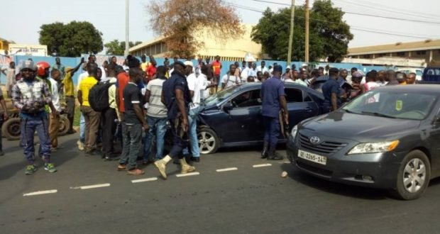 Police arrest 2 suspects in Royal Motors robbery