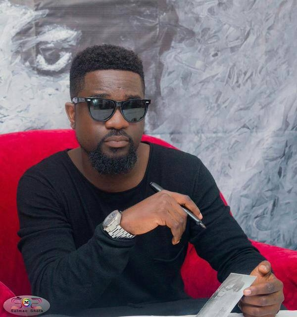 PHOTO: Sarkodie Details How His Sister Forced KK Fosu to Sign Him