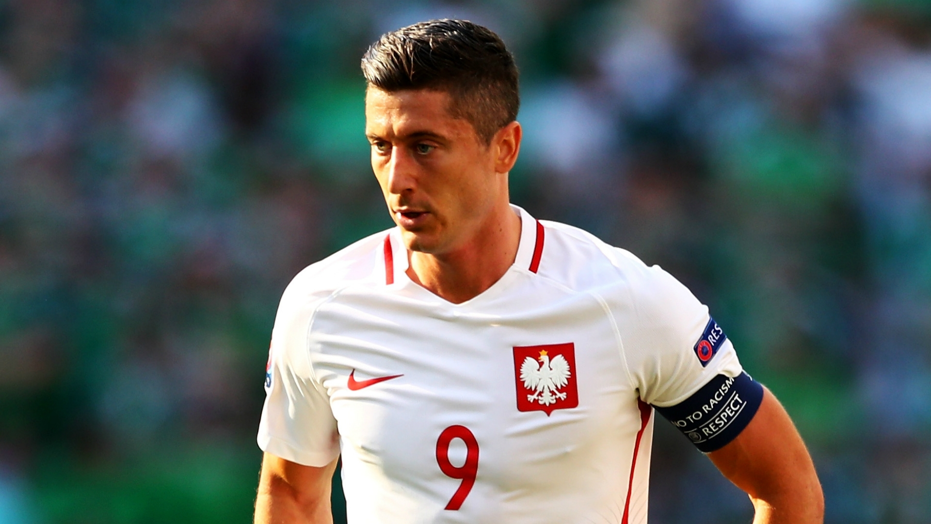 Lewandowski open to Premier League move
