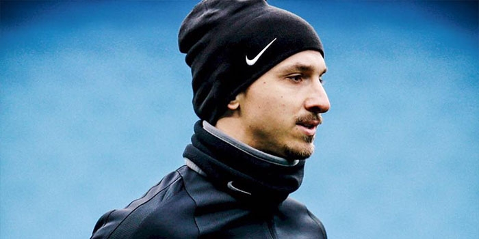 Zlatan Ibrahimovic will extend Manchester United contract on one condition