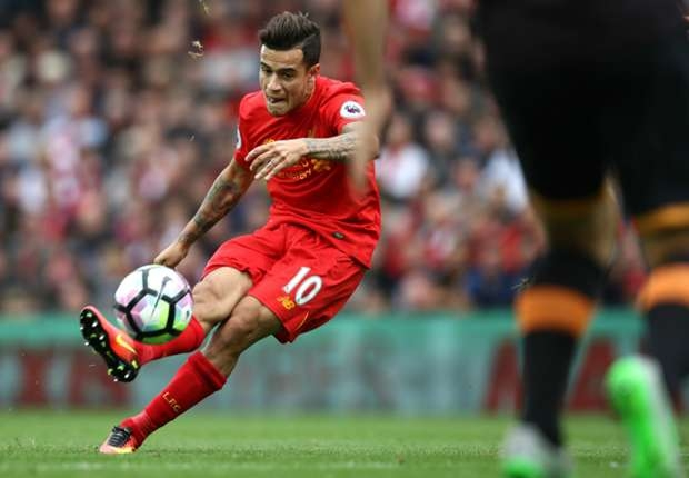 Coutinho names three Barcelona players better than Ronaldo