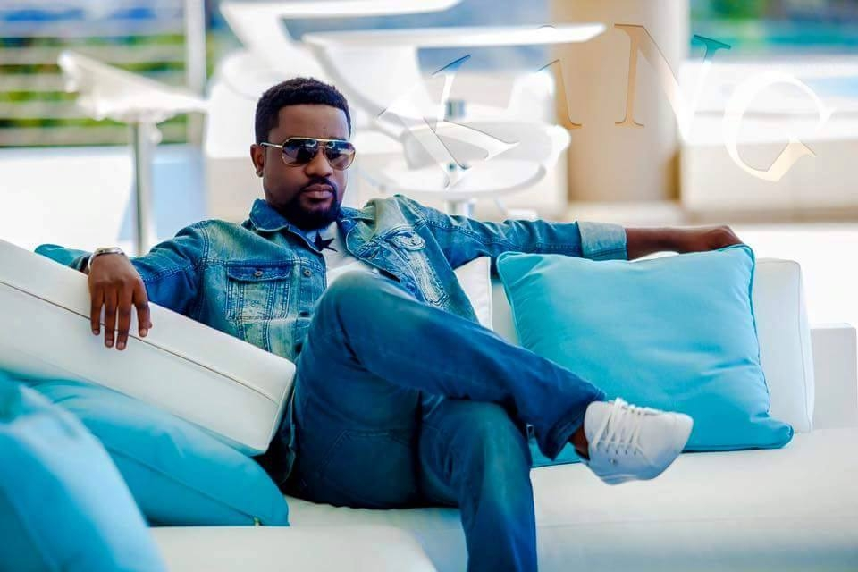 Sarkodie wins 'Most Subscribed YouTube' channel in Ghana @ 1st YouTube Sub-Sahara Africa Creator Awards 2016