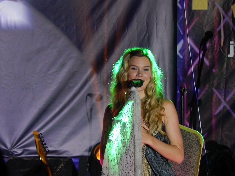 PHOTOS: Grammy winner Joss Stone, Wiyaala Thrill Concertgoers at +233 Jazz Bar and Grill
