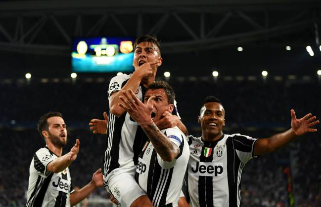 Paulo Dybala extends Juventus contract to 2022