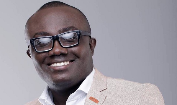 Bola Ray announces Biography