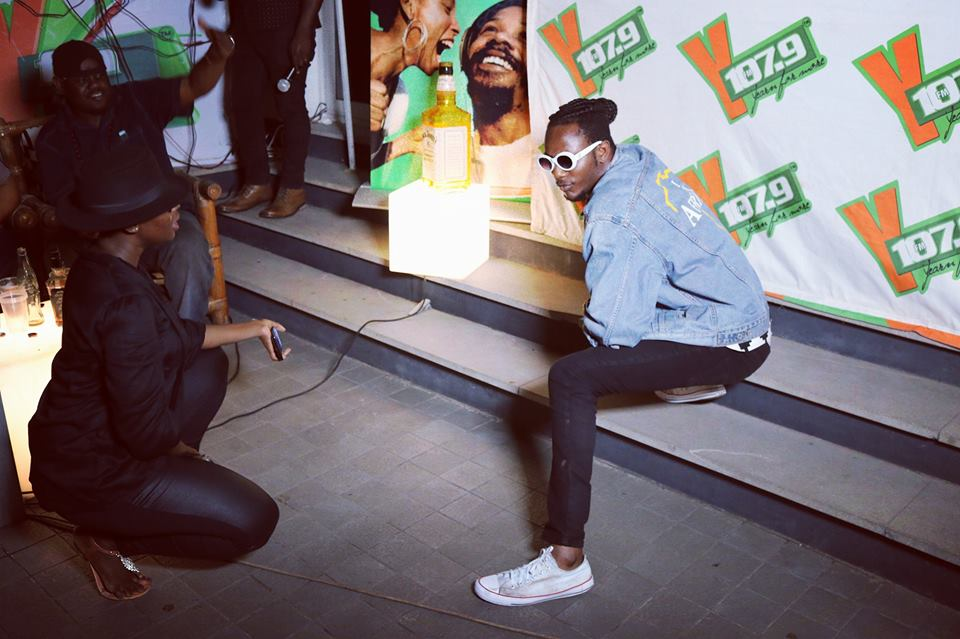 Official Kwame performs Cardi B's Bodak Yellow at #EverydayWeLIT