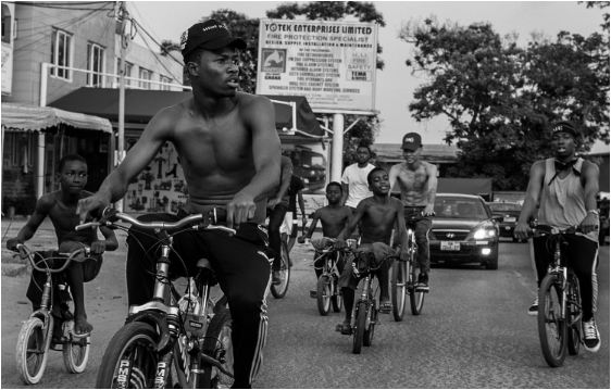 Watch: Kwesi Arthur features Sarkodie and Medikal on 'Grind Day' remix