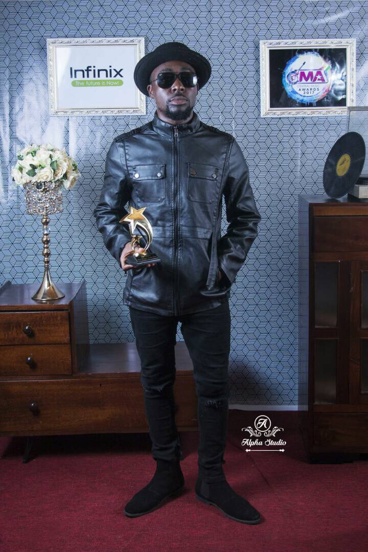 """Teephlow crowned """"Best Rapper of the Year"""" at Central Music Awards 2017"""