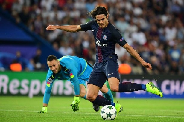 Arsene Wenger hails Edinson Cavani's performance following Arsenal's draw with Paris Saint-Germain