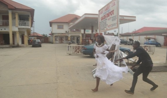 PHOTOS: 'I'm no longer interested' – Bride runs out of wedding reception