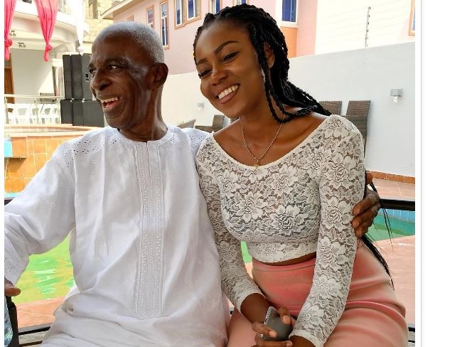 Yvonne Nelson announces Dad's demise