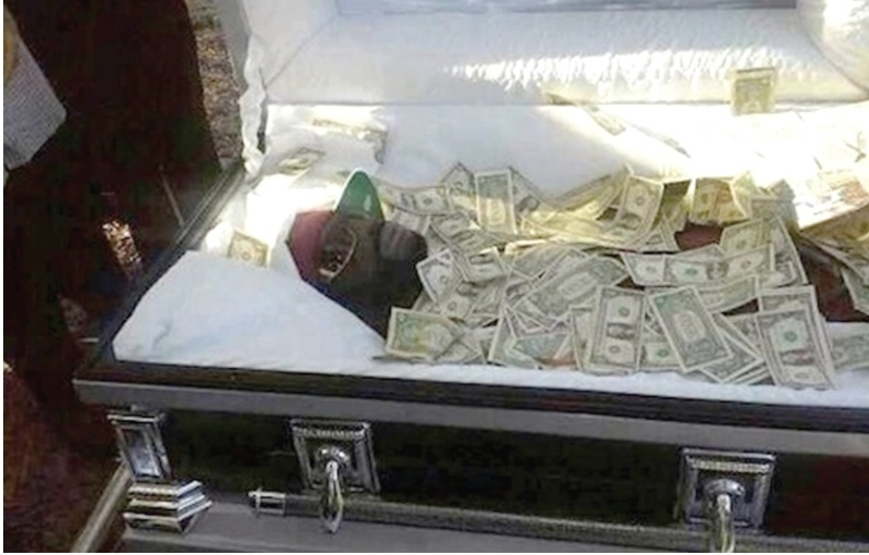 Man buried with$55,000 to 'bribe' God on judgment day