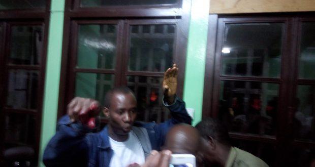 Jealous boyfriend stabs UG girlfriend on campus