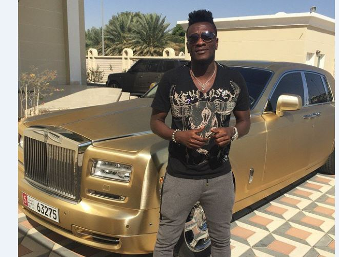 I don't play for money - Asamoah Gyan