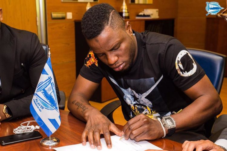 PHOTOS: Mubarak Wakaso Signs three-Year deal with Spanish side Alaves