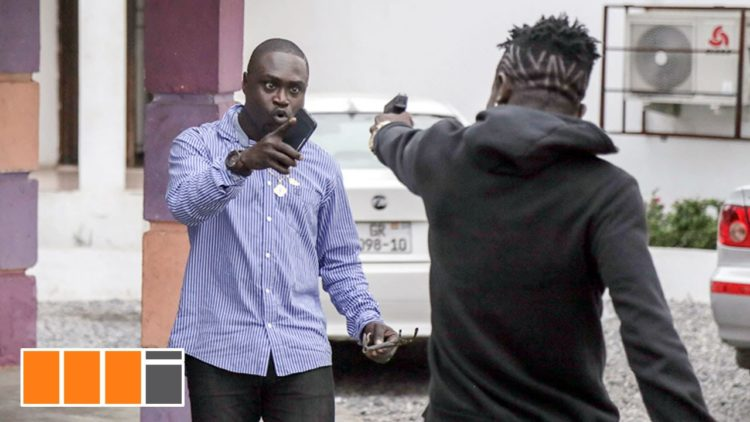 Angry Shatta Wale threatens to beat bloggers