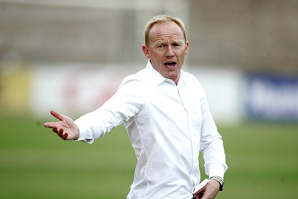 Hearts boss Nuttal plays down pressure ahead of FA Cup final