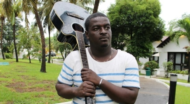 'I laugh at people who fight over Shatta Wale and Stonebwoy' – Kumi Guitar